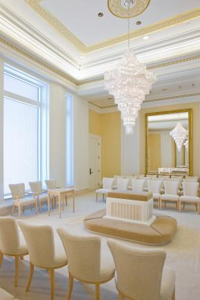 A photo of the Oquirrh Mountain Utah Mormon Temple sealing room.