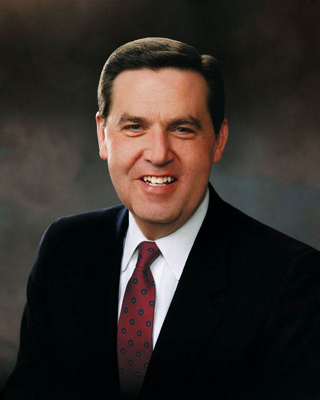 A portrait photo of Elder Jeffrey R. Holland.