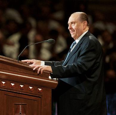A photo of the Mormon Prophet, Thomas Monson, at the pulpit.