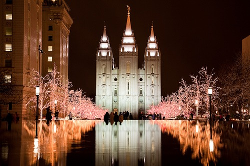 A photo of the Salt Lake City Temple at Christmastime.